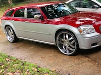 Dodge - Magnum - 2006 Runs Perfect. Paint is Perfect, Rims are beautiful..... Jackson