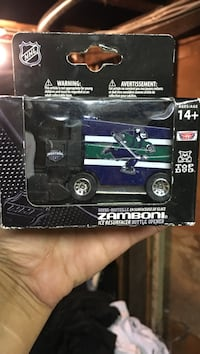 Canucks zamboni toy car  Nanaimo, V9R 4V7
