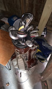 Taylormade miscela golf clubs and bag