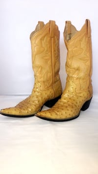 Pair of brown leather cowboy boots Oklahoma City, 73119