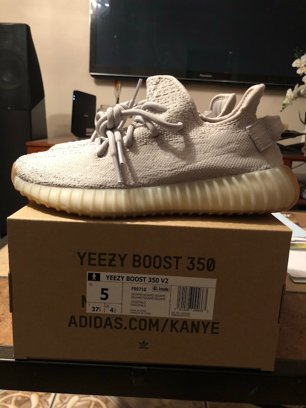 2471de448 Used DS Yeezy 350 V2 Sesame size 5 Men for sale in Paterson - letgo
