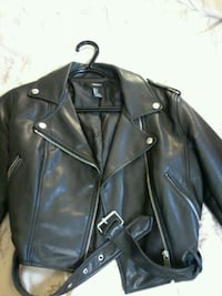 Women's small leather jacket (forever 21) Ottawa, K0A 2Y0