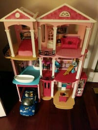 pink and white plastic doll house Bowie, 20715