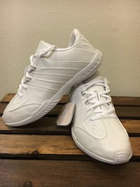 NEW Nfinity Game Day Cheer Shoes; size 6