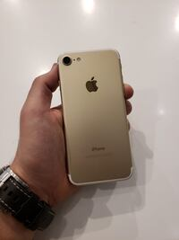 Mint IPhone 7 32 GB limited gold color Ottawa, K1H 7X6