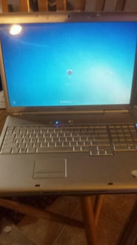 Dell laptop $50 works need cash bad Medicine Hat, T1A 0C9