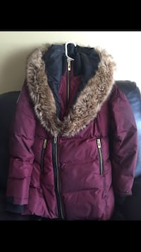 maroon and brown zip-up bubble jacket