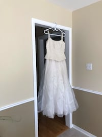 Long offwhite dress for wedding, prom or other special event. Mississauga, L5M 4H5