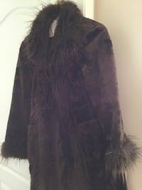 Women's brown faux fur. Fun and cute! Small or medium. Chico label Warren