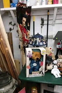 ELVIS Books/pictures/collectables Georgetown, 19947
