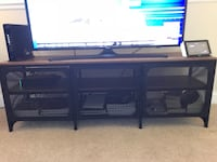 Wood and metal tv bench (tv not included) Mississauga, L5M 6K3