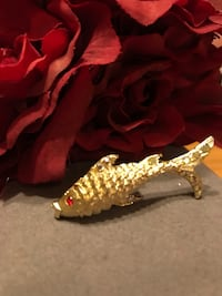 Pretty! Gold! Fish Pin with Red Ruby Eyes Gainesville, 20155