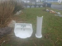 white ceramic sink with faucet Brick, 08724