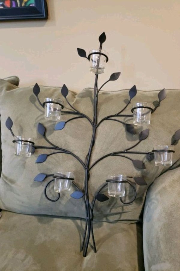 7 candle wrought iron wall decor e2b1529d-73f6-4896-9dee-c0fc4ca3d54f