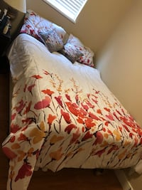 Queen size bed-With the bedding frame and the box New Westminster, V3M 3B9