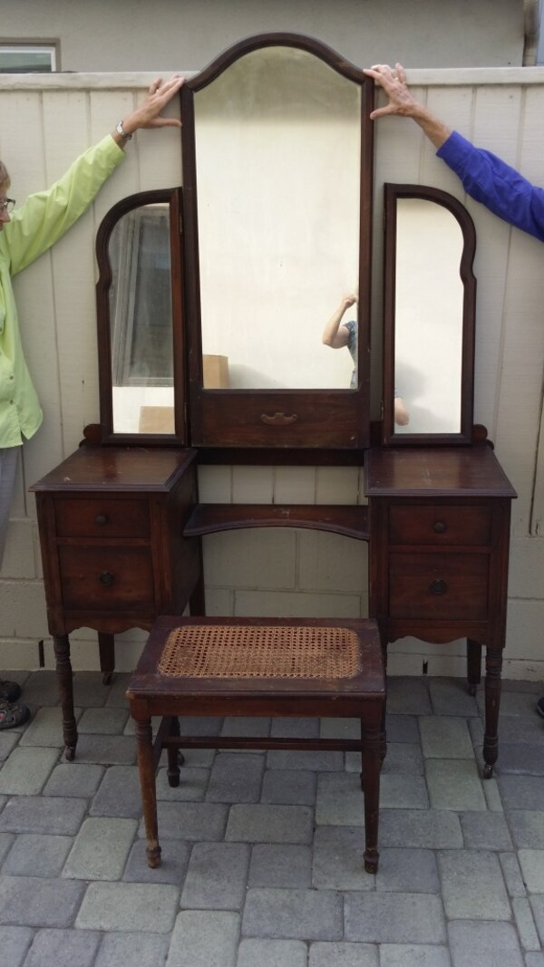 Outstanding Reduced 1920S 1930S Vintage Vanity With Stool And Mirrors Gamerscity Chair Design For Home Gamerscityorg