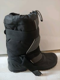 Boys/ men snow boots