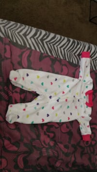 Baby's white and pink footie pajama Henderson, 89014