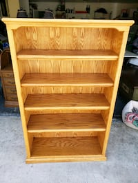 5 shelf bookcase solid wood Bakersfield, 93309