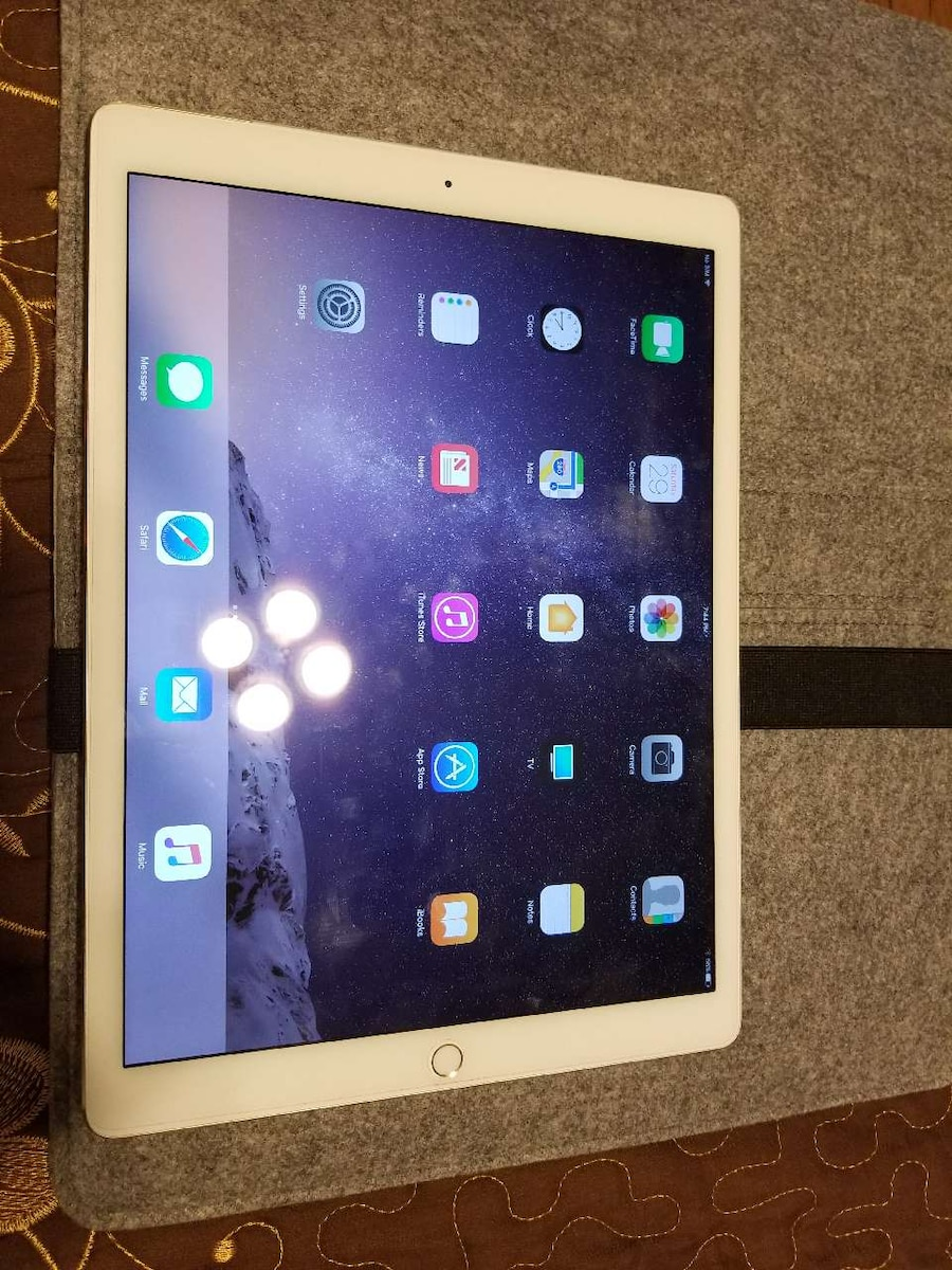 ipad pro 12 9 128gb lte gold ft for dji mavic pro in yonkers letgo. Black Bedroom Furniture Sets. Home Design Ideas