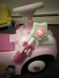 Disney princess scooter car Elyria, 44035