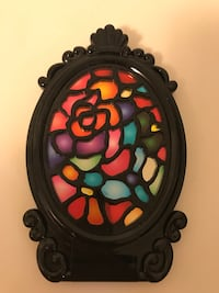 round black and red floral wall decor Vancouver, V5R 5E3