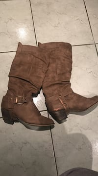 Women's brown leather buckled cowboy boots  Brampton, L6X 4S9