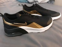 Youth Nike Airmax size 1Y