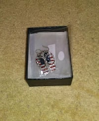 BRAND NEW RED, WHITE & BLUE FLIP FLOP EARRINGS Omaha, 68117