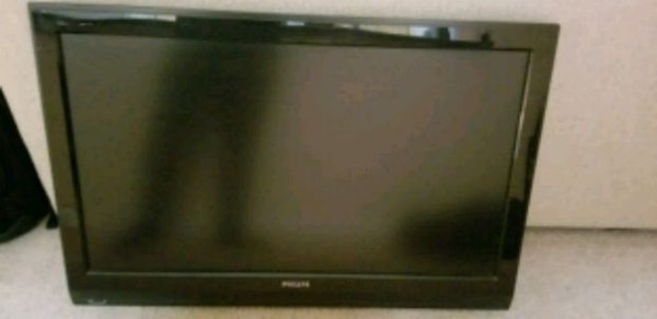 "Philips 42"" 1080p TV"