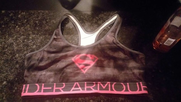 dbce5bed1e73b Used black and pink supergirl under armoire sports bra for sale in ...