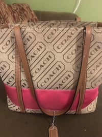 white and pink leather tote bag Saint Albans, 05478