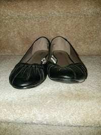 Woman Massiao size 7.5 black flat Warren