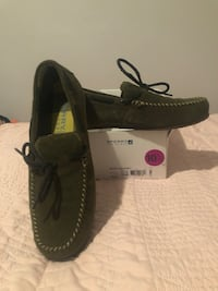 New green suede men's size 10.5 sperry slippers. Medina, 44256