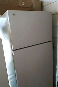 white top-mount refrigerator Albuquerque, 87106