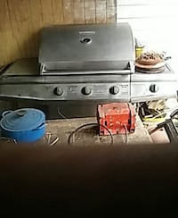grey steel gas grill Harvey, 70058