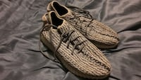 Yeezy turtle dove shoes  Pickering, L1W