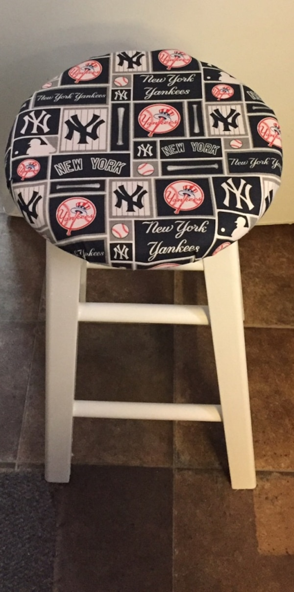 Prime Stewart Numon Creations Ny Yankees Small Bar Stool Caraccident5 Cool Chair Designs And Ideas Caraccident5Info