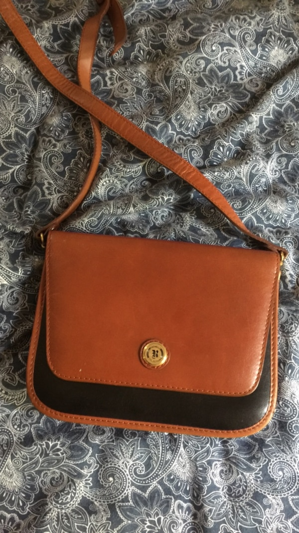 77c1a8327a3 Used Rachelle collection shoulder bag for sale in Manville - letgo