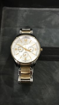 White Fossil round gold chronograph watch with gold link strap Toms River, 08753