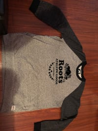 XL roots crew neck 537 km