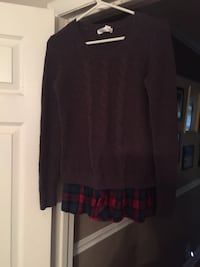 Like new grey cable sweater with flannel hem brand name Motherhood  Nashville, 37203