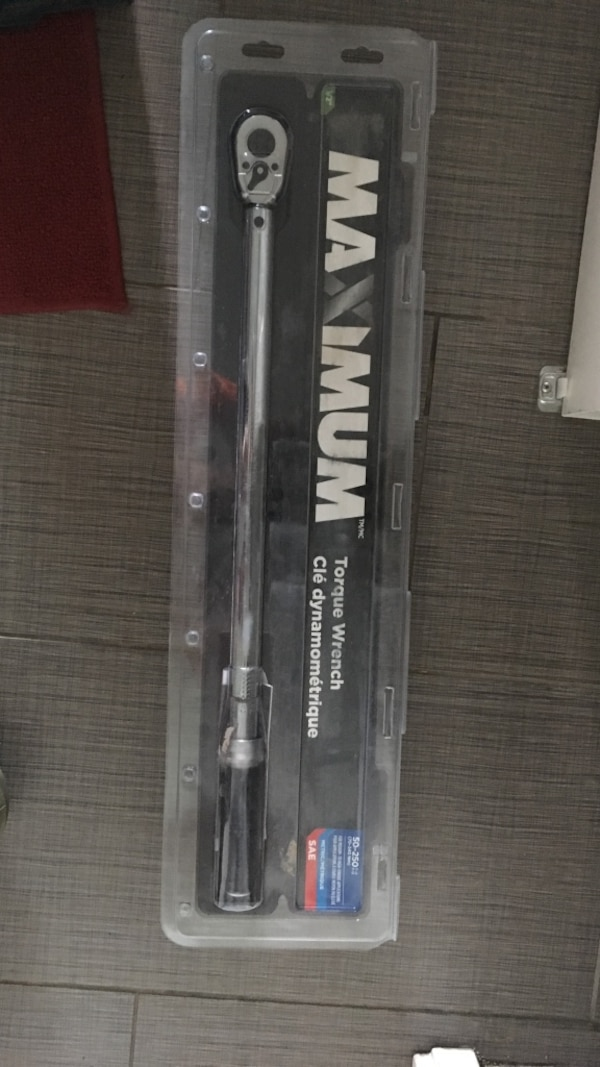 Torque wrench 1/2 inch. 50-250 pounds