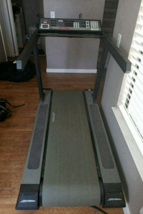 Used LifeFitness 9500HR Treadmill For Sale In Elk Grove