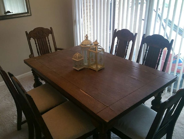 Used 1913 Antique Dining Room Set Table With Two Leaf For Sale In Cincinnati