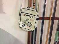 For Vespa lovers here s the right handbag can t go wrong  Montréal, H1P