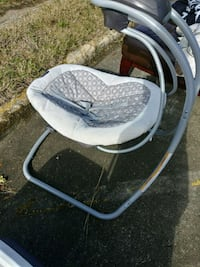 baby's white and gray swing Shreveport, 71108