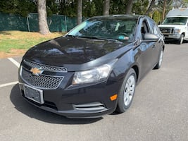 2014 Chevrolet Cruze 4dr Sdn Auto LS Nice Car!!