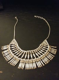 GOLD AND SILVER STATEMENT NECKLACE Davie
