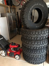 Jeep Wrangler rims and tires. 37x12.5x17 Summerville, 29483